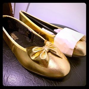 NIB Metallic Gold Ballet Flats with Bow